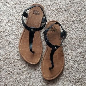 Faded Glory size 7 sandles